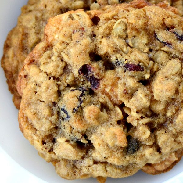 oatmeal-cranberry-pecan-cookie